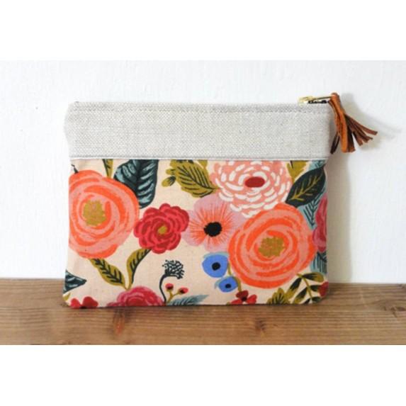 Pochette en lin jardin extraordinaire à motifs floraux made in france menthe poivrée