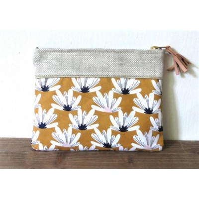 Pochette en lin et coton fleurs moutarde made in france